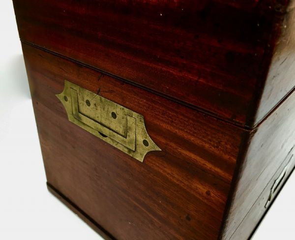 Antique Mahogany Wooden Apothecary / Stationary / Art Box / Campaign Style